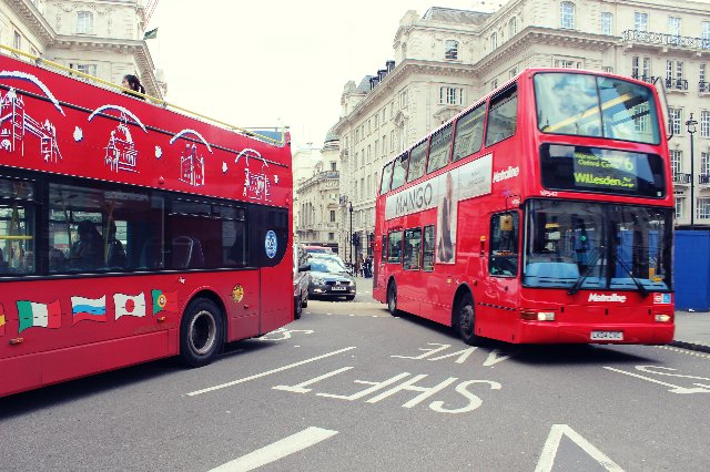 Снова автобусы. - e04e1313350d.jpg