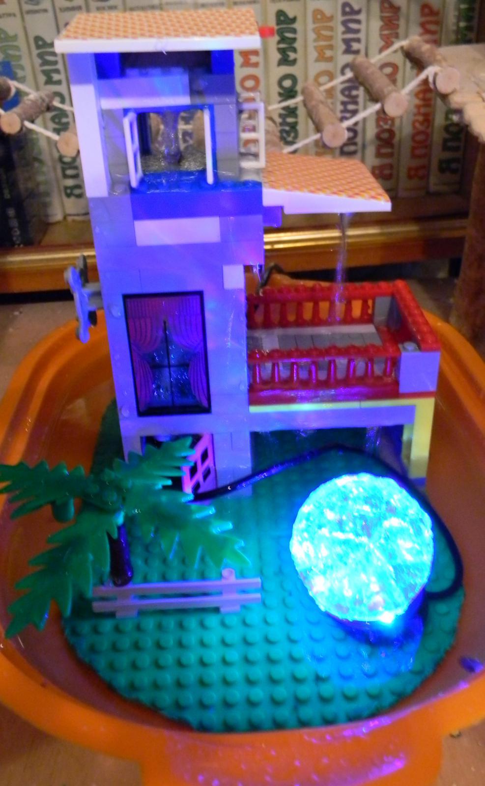 Фонтанчик с подсветкой для попугаев. - с подсветкой.JPG